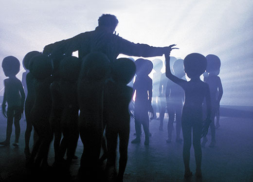 Alien-Contact-Close-Encounters-of-the-Third-Kind-520.jpg